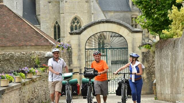 Cyclistes devant le château