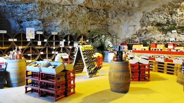 Vue de l'intérieur de la Cave des Fouleries à Châteaudun