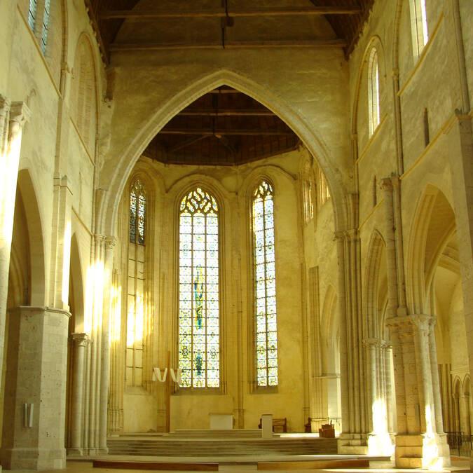 Le choeur de l'église de la Madeleine